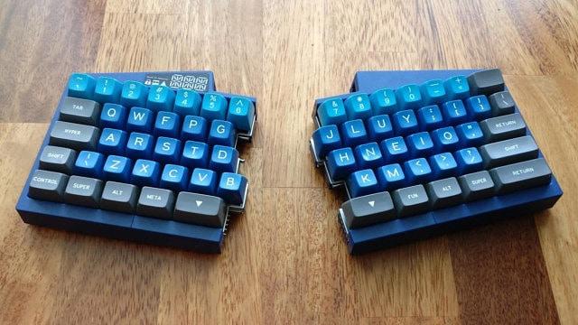 design – Ultimate Hacking Keyboard